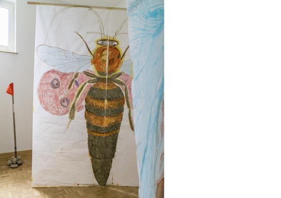 «o.T.», 2016, Tusche, Pastel und Kohle auf Japanpapier, ca. 190 x 250 cm