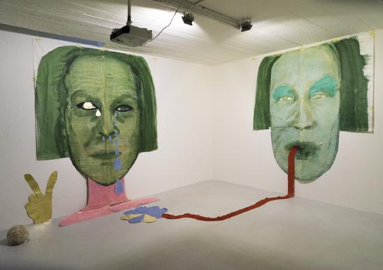 «o.T.», 2016, Tusche, Tempera und Kohle auf Papier, Dimensionen variabel